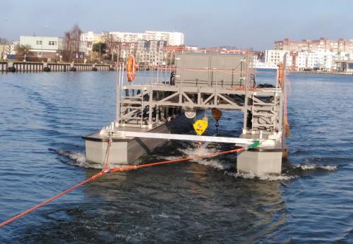Budowa jednostki  do podnoszenia i transportu z dna akwenów wodnych, przedmiotów wybuchowych i niebezpiecznych.